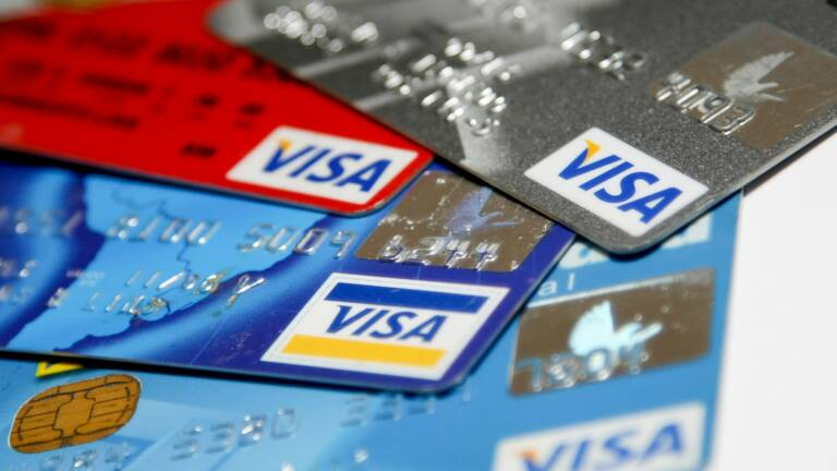 La Caisse D Epargne Annonce Le Lancement D Une Carte Bancaire Om Capital Fr
