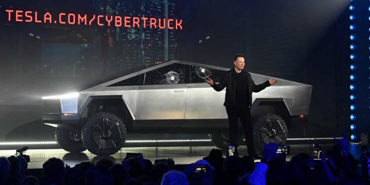 Le Cybertruck de Tesla est visiblement compliqué à conduire, même par Elon Musk
