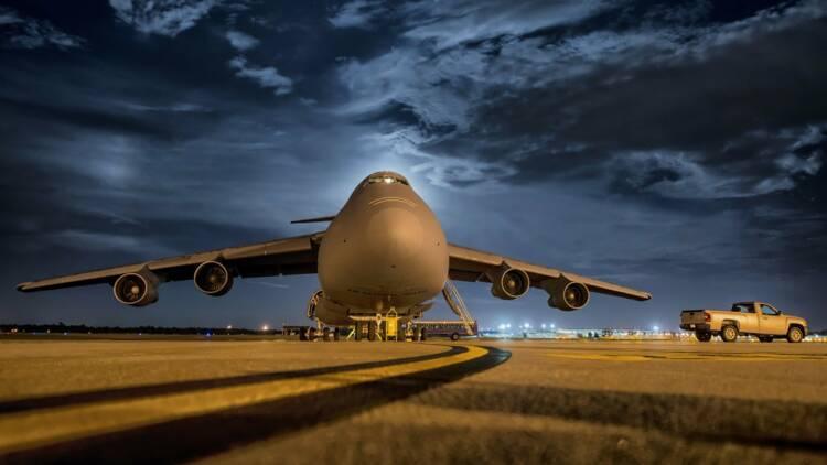 Plombé par le désastre du 737MAX, Boeing voit ses livraisons s'effondrer