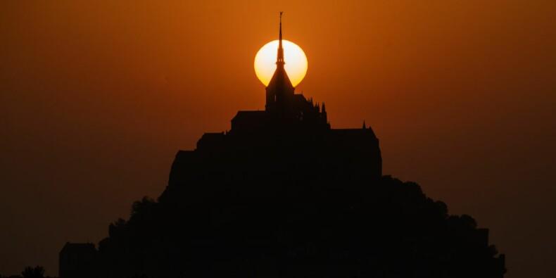 Les grévistes ont-ils coupé l'électricité du Mont-Saint-Michel ?