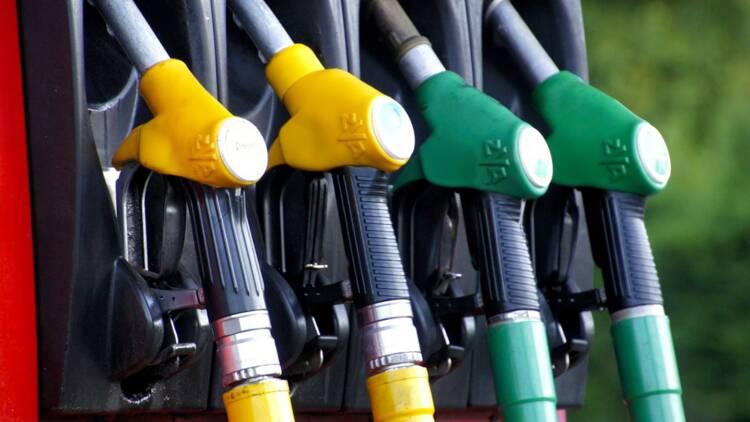 Pourquoi le risque de pénurie d'essence est encore loin malgré les blocages