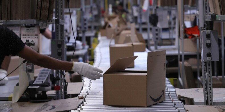 Pour faire face aux commandes, Amazon a embauché 250.000 personnes pendant les fêtes