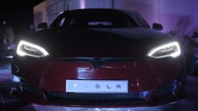 Tesla : une enquête ouverte après un crash mortel