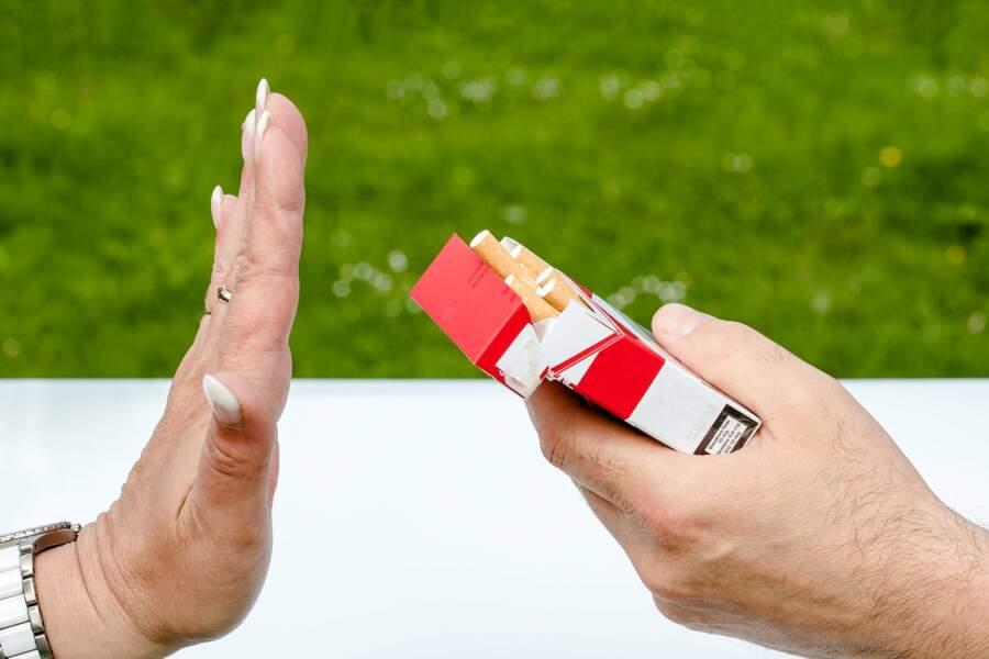 10 euros pour le paquet de cigarettes