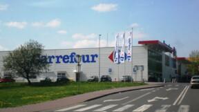 """Carrefour plonge en Bourse, le """"non"""" de Bruno Le Maire à Couche-Tard """"clair et définitif"""""""