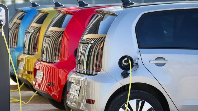 Les voitures électriques et hybrides gagnent du terrain en France !