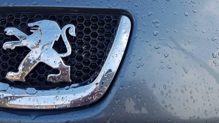 PSA Peugeot-Citroën ne doit pas redémarrer trop tôt sa production, avertissent les syndicats