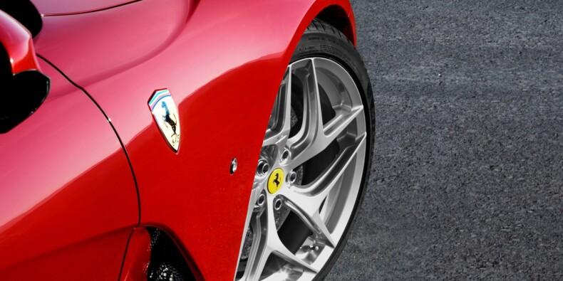 Trois Ferrari complètement détruites sur une autoroute américaine