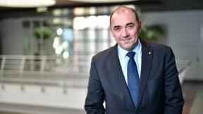 11.000 euros de costumes et chaussures au frais du contribuable... le maire de Saint-Priest assume