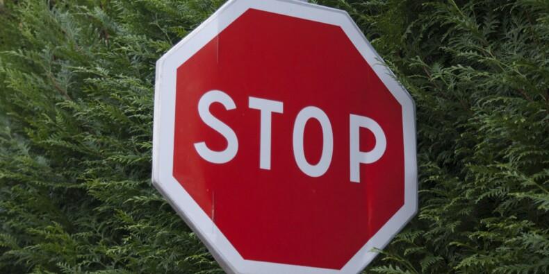 Ignoré des automobilistes, ce panneau Stop devient viral
