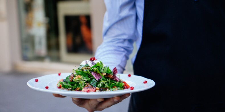 Face à la crise des restaurants, les critiques du guide Michelin dans la tourmente