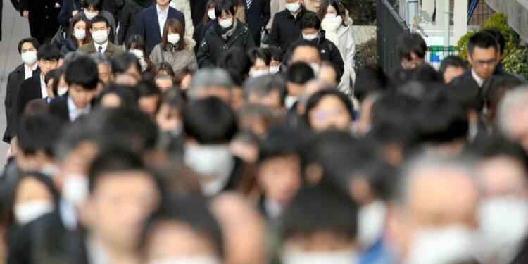 Coronavirus : plus de 3.700 personnes en quarantaine dans un bateau de croisière au Japon