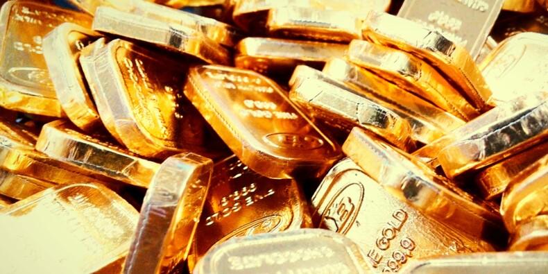 Taux d'intérêt sous pression, risque de chute des actions… UBS est optimiste sur l'or