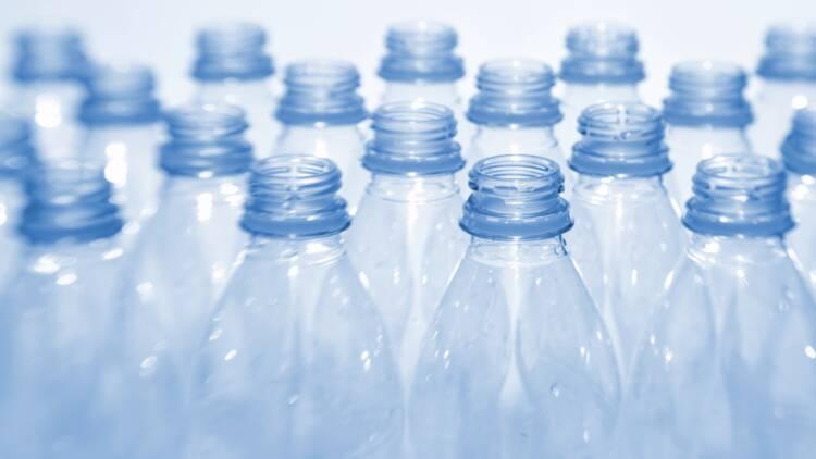Comment Eau de Paris veut en finir avec les bouteilles en plastique à Paris