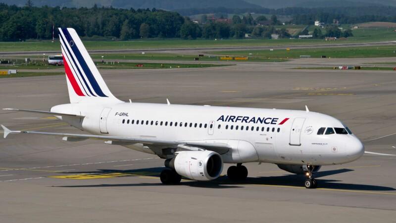 Air France-KLM connaît encore des turbulences, mais espère des améliorations