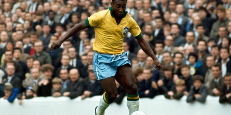 Un vrai maillot de Pelé aux enchères. Mise à prix : 1.000 euros