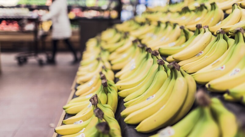 Malgré les baisses, les fruits et légumes bio restent bien plus chers que les produits traditionnels