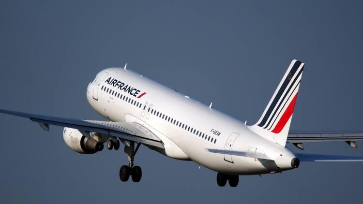 Face à la crise, les pilotes d'Air France et de Transavia signent un accord sur l'APLD