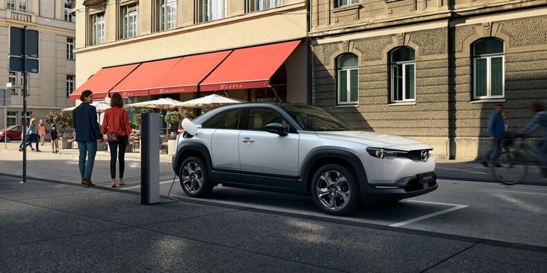 Mazda dévoile les prix du MX-30, un SUV électrique presque abordable
