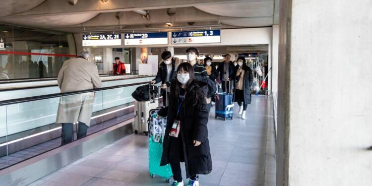 Des touristes chinois masqués escroqués par de faux policiers