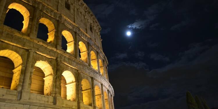 Les taux d'intérêt de l'Italie bondissent, la dette inquiète de plus en plus