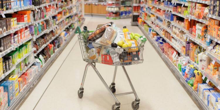"""Coronavirus : """"aucune pénurie"""" de produits alimentaires et pas de rationnement prévu"""