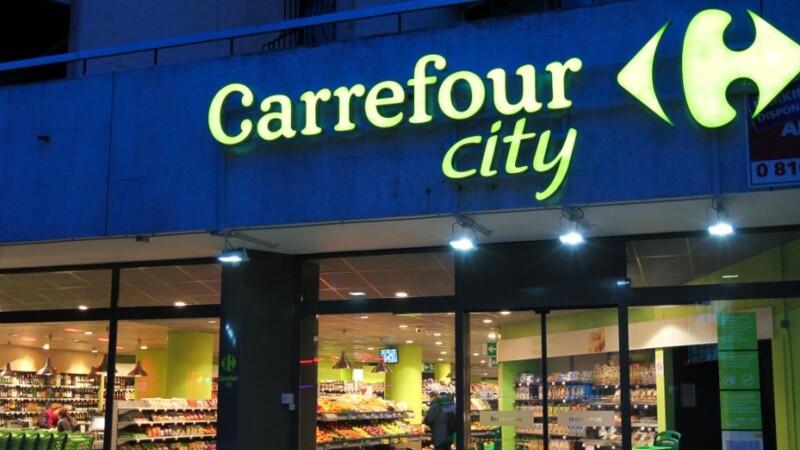 Emploi : Carrefour vante sa grille des salaires