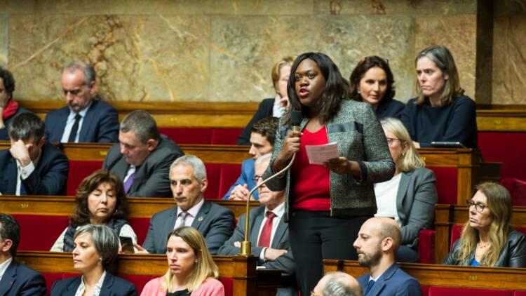Une députée LREM a-t-elle exigé le rapatriement de sa collaboratrice malade ?
