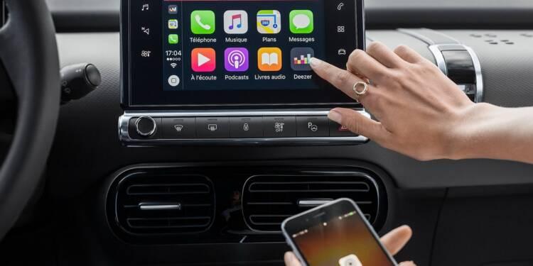 Une étude met en garde contre l'utilisation d'Apple CarPlay et Android Auto au volant