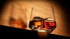 Le gendarme de la Bourse alerte sur les arnaques à l'investissement dans le whisky