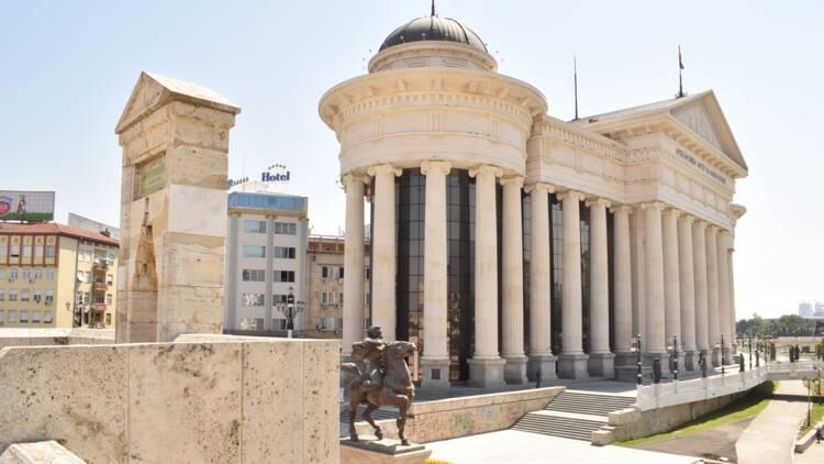 L'Union européenne lance les négociations pour intégrer l'Albanie et la Macédoine