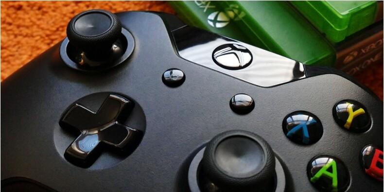Xbox One S : -42% sur le pack avec trois jeux, deux manettes et un casque
