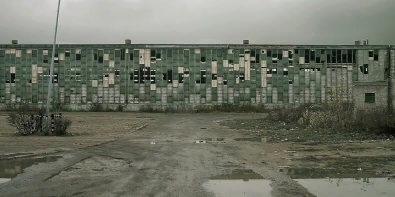 Lourde chute de l'industrie en mars, le confinement et les fermetures d'usines ont pesé