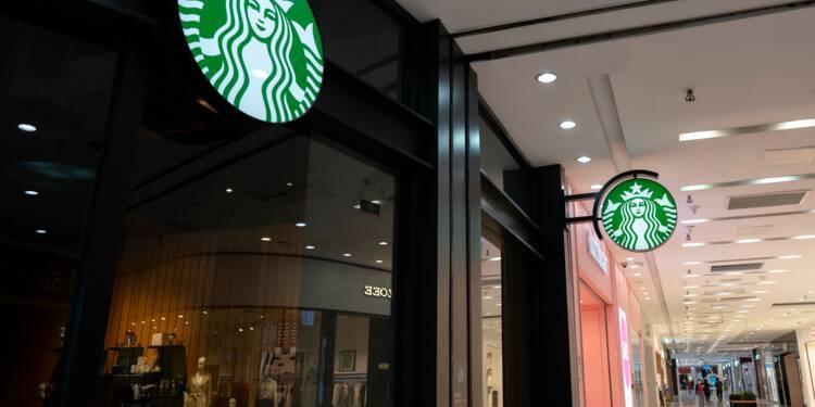 Le rival chinois de Starbucks Lunkin Coffee s'effondre en Bourse, malversations présumées