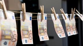 Un maire italien imprime sa propre monnaie locale pour aider les habitants pendant la crise
