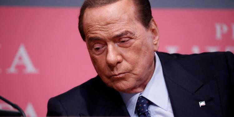 Et si vous naviguiez sur l'immense yacht de Berlusconi ?