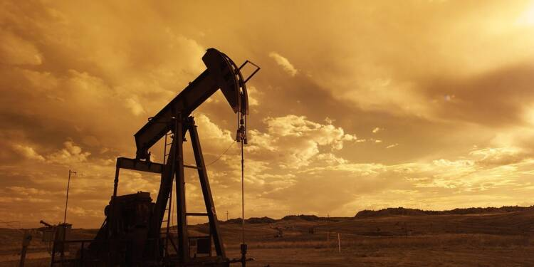 Les déboires du vaccin AstraZeneca et les reconfinements font chuter les cours du pétrole