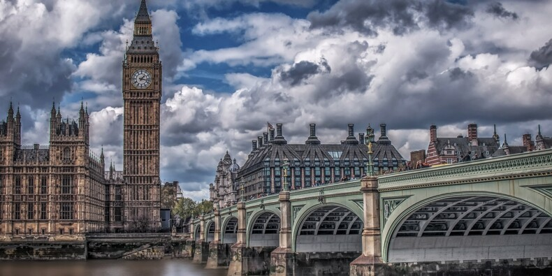 Angleterre : les autorités instaurent de nouvelles restrictions