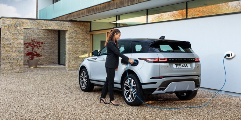 Range Rover Evoque P300e : maintenant en version hybride rechargeable