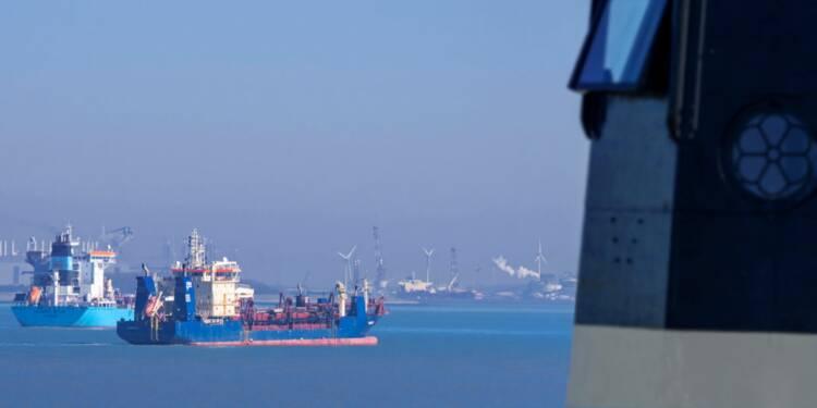 Faute de demande, des pétroliers attendent au large de la Californie