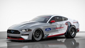 Ford transforme sa Mustang en dragster électrique !