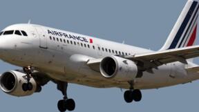"""Air France : Le gouvernement fixe une """"ligne rouge"""" pour l'emploi"""