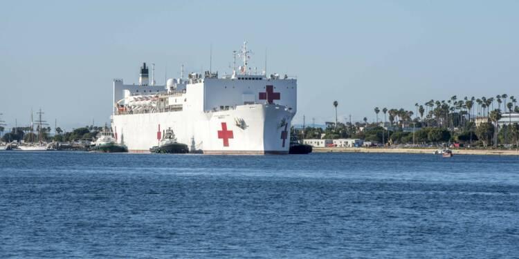Découvrez les deux énormes navires hôpitaux de l'US Navy