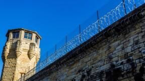 Verbalisé après avoir jeté... de la viande hachée dans une prison