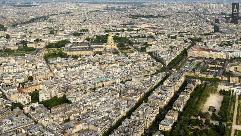 Tourisme : les hôtels parisiens craignent un mois d'août cauchemardesque