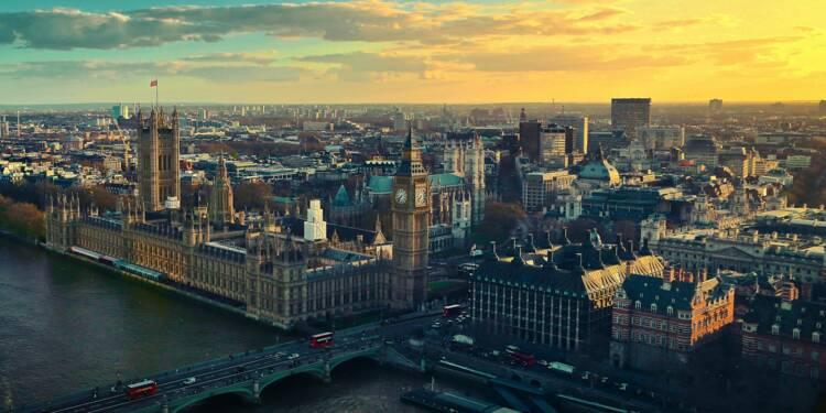 """Royaume-Uni : pas de quarantaine """"à ce stade"""" pour les voyageurs français"""