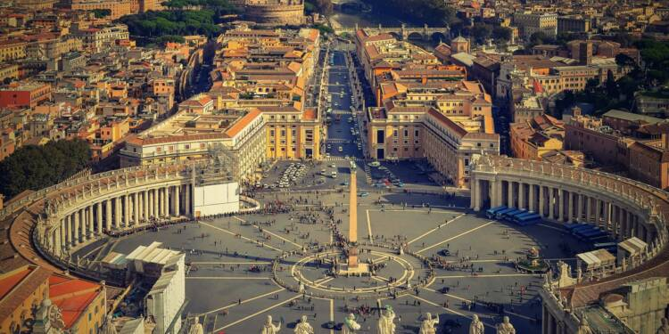 Le coronavirus met le Vatican au régime sec