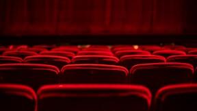 Même fermés, les cinémas grognent contre les drive-in