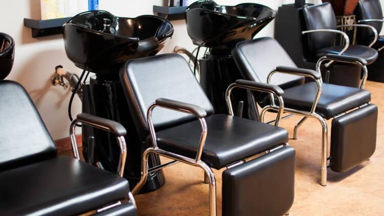 Déjà 7 salons de coiffure et de beauté fermés par la préfecture à Paris