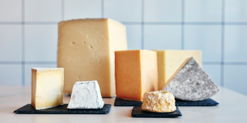 """Dans les Vosges, deux agriculteurs inventent par hasard un nouveau fromage : le """"confiné"""""""